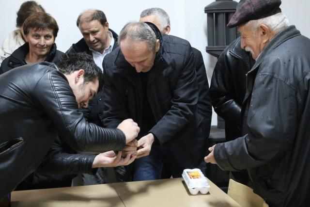 Na Orašcu održan turnir u tucanju jaja